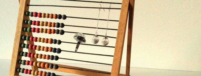 bague et boucles d'oreilles en micro-billes